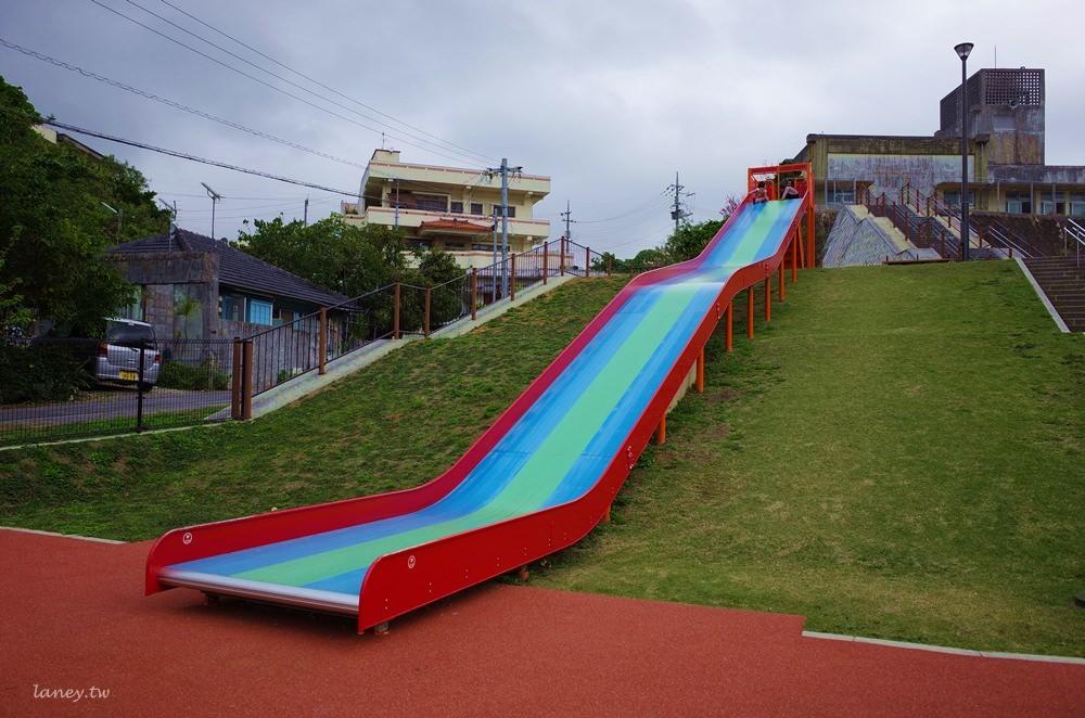 沖繩溜滑梯 中部北玉公園 彩色溜滑梯 @蘭妮3+1旅食日常