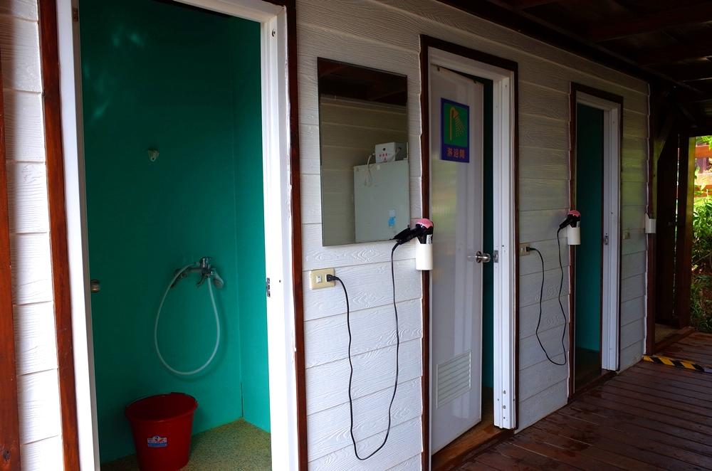 第三露 苗栗公館露營區推薦 樹語星晴-星晴館 兒童設施 溜滑梯 盪鞦韆 沙坑 乾濕分離衛浴 有小木屋